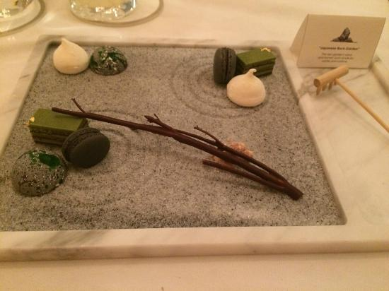 Tate Dining Room Zen Garden