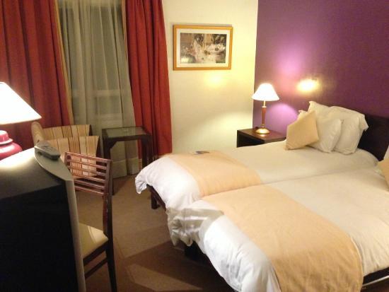 Atlas Les Almohades Casablanca: room