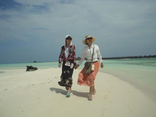 Guraidhoo Vacation Inn : walk on the beach