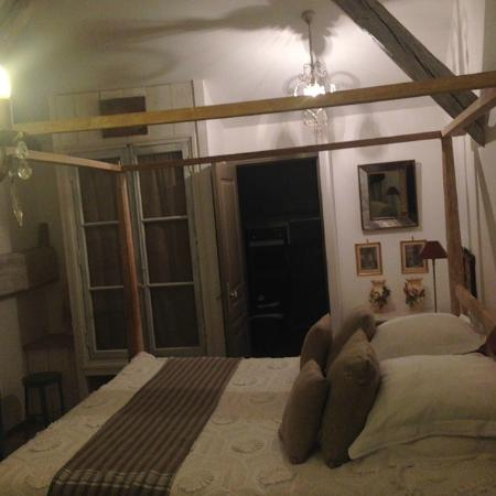 La Ferme de Marie-Eugenie : bedroom