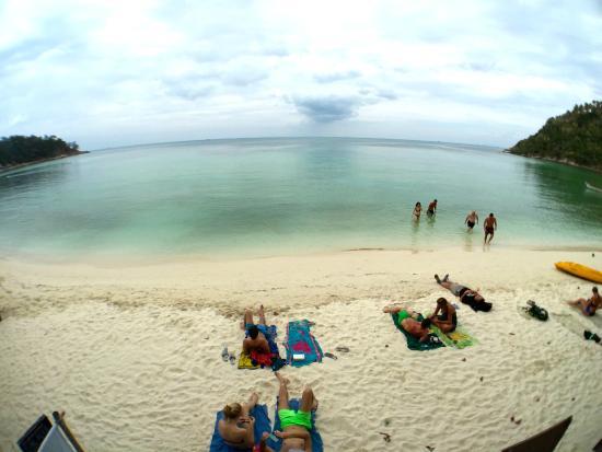 Salad Beach Resort: the awesome beach