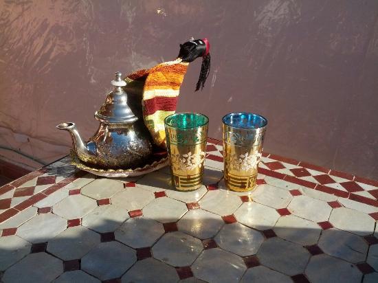 Riad Morgane: Le thé, parfait pour relaxer sur la terrasse!