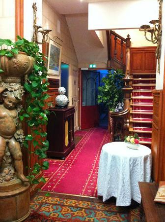 Hotel Le K'Loys : l'entrée de la demeure