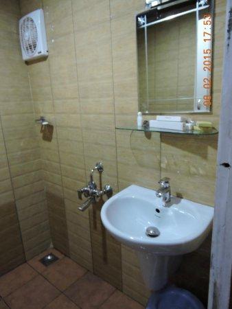 Dream Catcher Plantation Resort: Super clean bathroom with 24hrs hot water