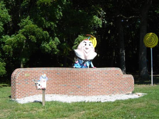 Clark's Elioak Farm: Humpty Dumpty