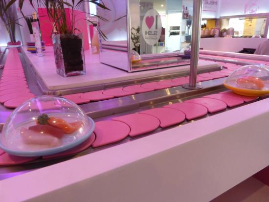 le tapis roulant picture of planet sushi strasbourg tripadvisor. Black Bedroom Furniture Sets. Home Design Ideas