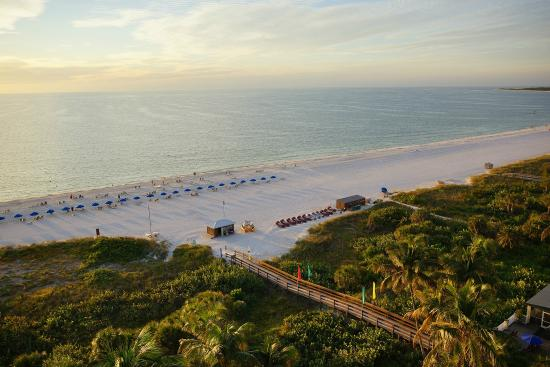 Hilton Marco Island Beach Resort: Beach View