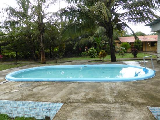 Cabinas y Restaurante La Princesa del Mar: La piscine