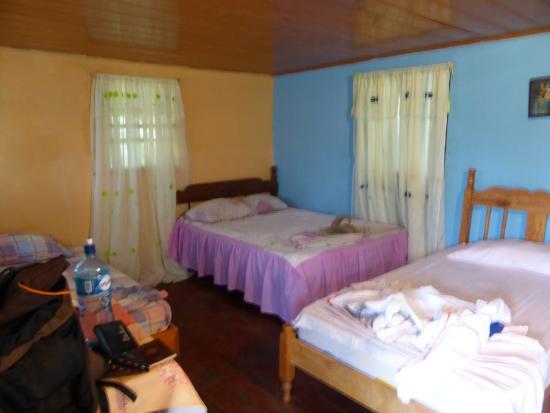 Cabinas y Restaurante La Princesa del Mar: Chambre