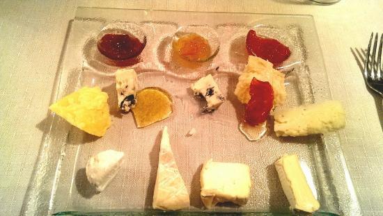 Trattoria Da Luisa: Antipasto di formaggi con marmellate, mostarda e miele..da provare assolutamente