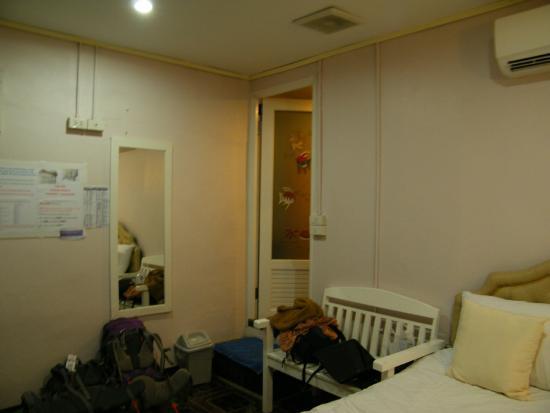 Khunnai House: Habitación