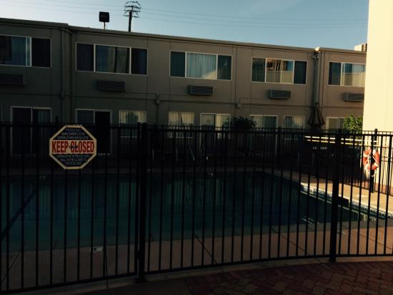BEST WESTERN Canoga Park Motor Inn: Pool