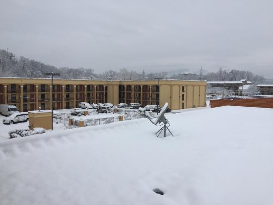 Island Drive Lodge on a snowy day