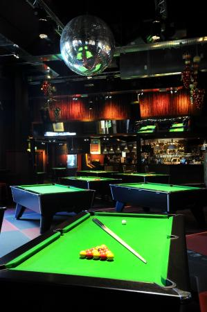 Lavery's Bar: Laverys Pool Room - 2nd floor