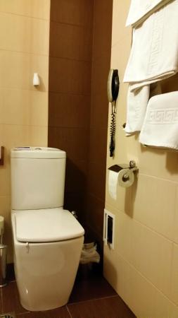 Pid Templem Hotel : Ванная