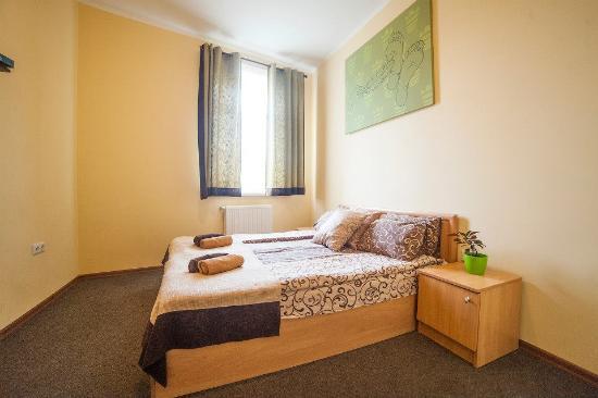 Hotel LeoCity Chornovola: Double room
