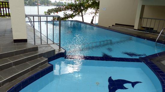 Hotel Marina Bentota: piscine