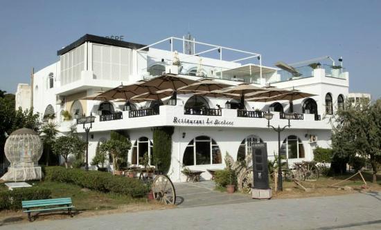 Le Berbere : Vu d'ensemble du Restaurant avec ses trois niveaux...