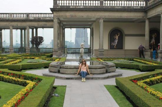 Foto de castillo de chapultepec ciudad de m xico uno de for Jardines lujosos