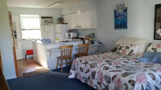Marine Villas: A nice big living area.