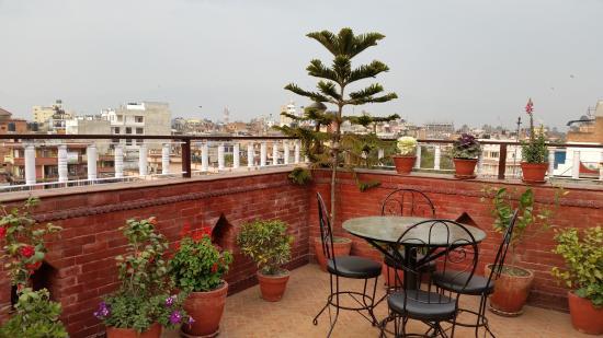 Hotel Happy Home: sky garden at roof top