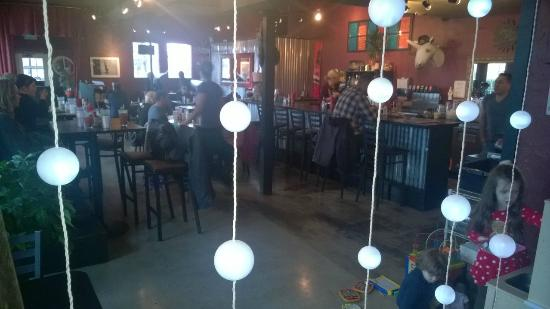 Sweet Betty's Bistro : inside dining area