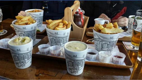 a room in Leith and Teuchters Landing: Soups & chips