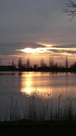 Agriturismo Ai due laghi del Verginese : Tramonto al Lago Tramonto