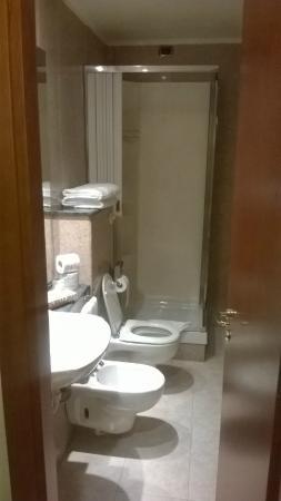 Hotel Miami: Bagno della stanza