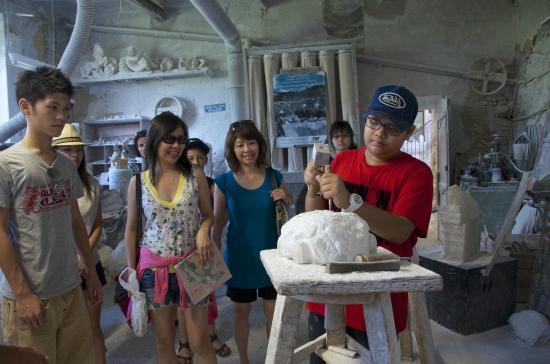 Tasty Tuscany: Hands-on alabaster workshop