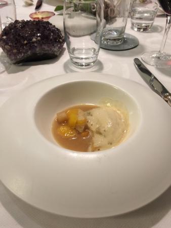 Auberge du Cheval Blanc: Bouillon de legumes émulsion foie gras