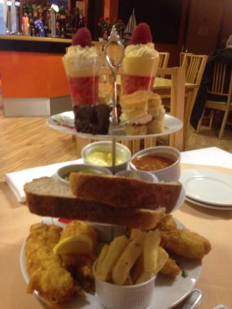 Хартлпул, UK: Fish and chips afternoon tea