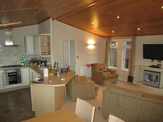kitchen dinner plus lounge - Picture of South Lakeland Leisure ...