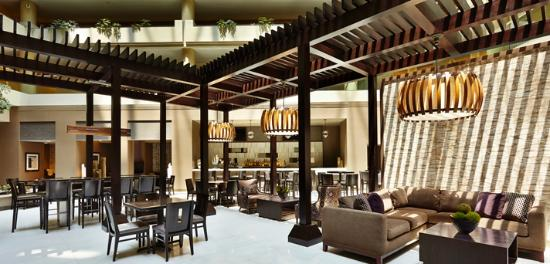 Embassy Suites by Hilton Crystal City - National Airport : New Look Atrium