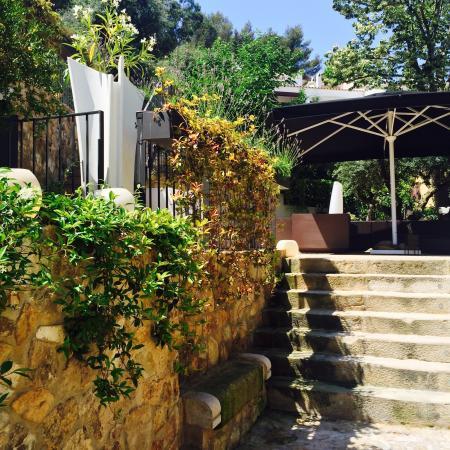 Boutique Hotel Casa Granados : Camino a la piscina