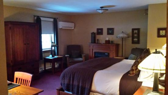 Settlers Inn: Better room