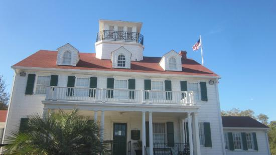 Maritime Center at Historic Coast Guard Station: Nice historic little station