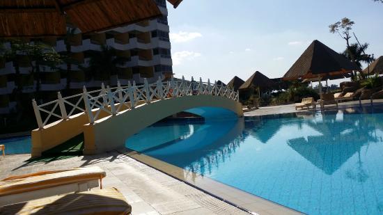 Pyramisa Isis Hotel & Suites Luxor: la piscina