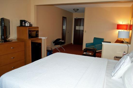 Fairfield Inn Joplin: Room 315 bedroom