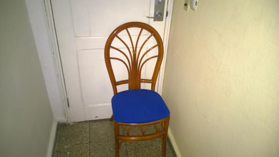 Islazul Pasacaballo Hotel: Had To Put A Chair Against The Door To Feel  Secure