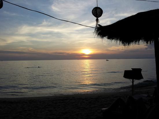 SeaGarden Bungalows: Sunset