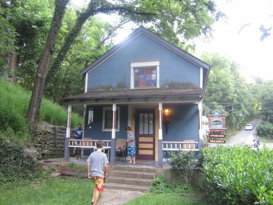 Cobbler's Cottage: A secret place in my heart