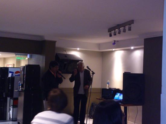 Hotel Plaza Bariloche: show en la ultima noche