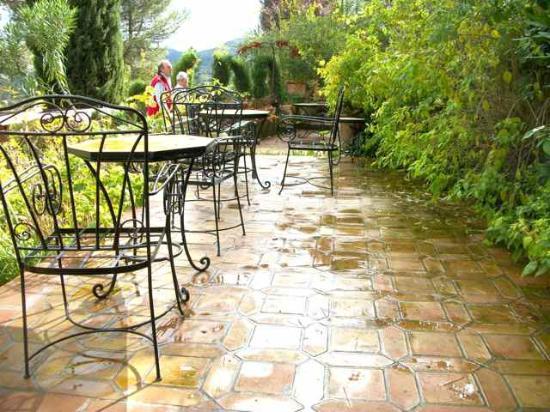 Hotel Jardin de la Muralla: View of the patio