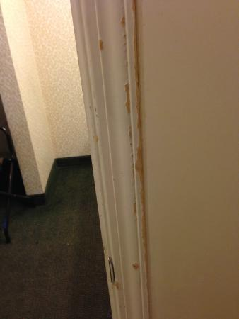 Days Inn San Jose Airport: Scrape and paint