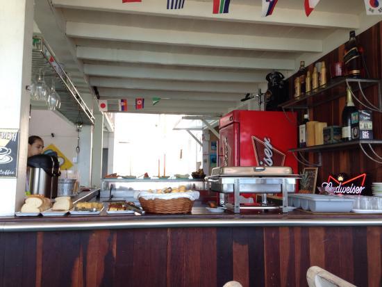 Nomad Buzios Seashore Hostel: Café da manhã