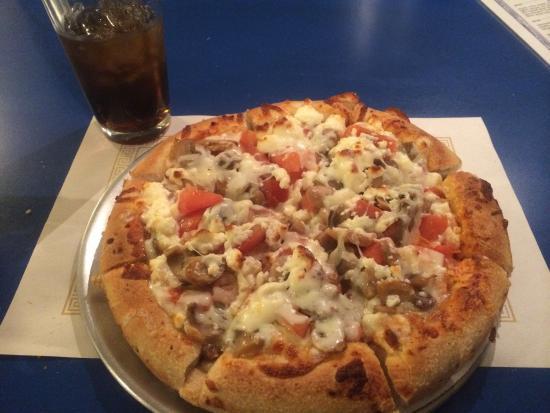 Matsos Greek Restaurant: The Willie Schreiber Special Pizza