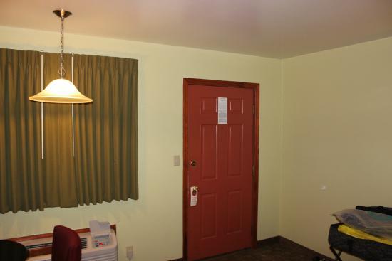 Weathervane Motor Court: Inside room