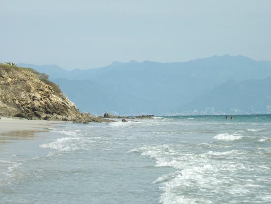 Destiladeras Beach: Looking towards Puerto Vallarta