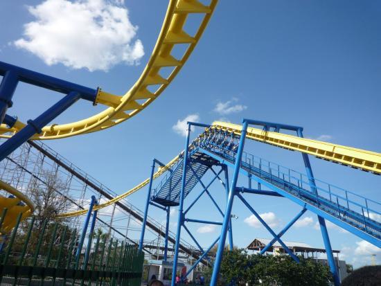 Fun Spot America : Hanging Coaster 2